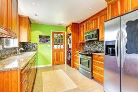 cuisine erable clair cuisine erable clair les faades de la cuisine sont sans poignes