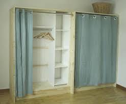 faire un dressing dans une chambre dressing bois et esprit cabane idees creatives et ecologiques