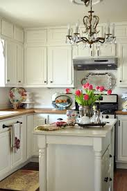 Cottage Kitchen Island by White Cottage Kitchen Simple And Bright White Trim With Cream