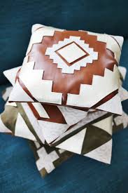 Leather Pillows For Sofa by Best 25 Leather Pillow Ideas Only On Pinterest Leather Cushions