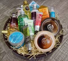 Pamper Gift Basket 7 Gorgeous Yet Affordable Gift Hampers To Pamper Your Mom This