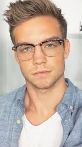 Long Hairstyles For Men With Glasses by Best 20 Men In Glasses Ideas On Pinterest Dylan O U0027brien