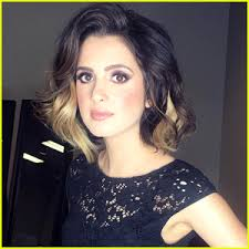 did laura marano really cut her hair laura marano s new two tone hair is all we can think about right
