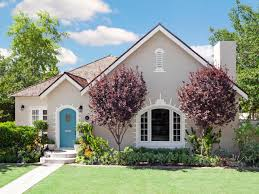 Hgtv Exterior House Colors by Curb Appeal Inspiration From Phoenix Arizona Decorative Bricks