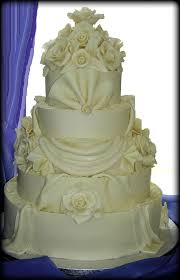 Big Wedding Cakes Huge Wedding Cakes The Wedding Specialiststhe Wedding Specialists