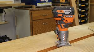 Fine Woodworking Compact Router Review by Ridgid Brushless 18 Volt Compact Trim Router Review U2013 R86044b