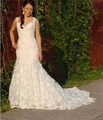 pre owned wedding dresses how to ship a wedding dress preowned wedding dresses