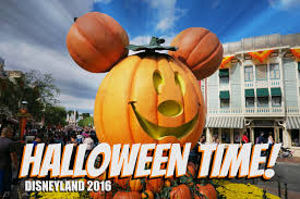 The Complete Guide 2016 Halloween Time At Disneyland U2013 It U0027s A 100 Your Guide To Halloween Time At Disneyland 2016 Guide