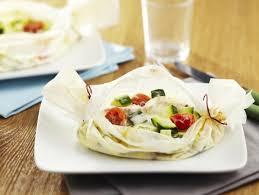 cuisine en papillote papillotes de cabillaud à la courgette et aux tomates cerises