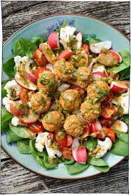 Salad Main Dish - 25 hearty vegan salads that will fill you up main dishes vegans