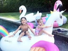 fun essentials for your summer backyard party u2014 molly sims