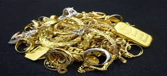 arrested rs 5 l worth gold ornaments seized