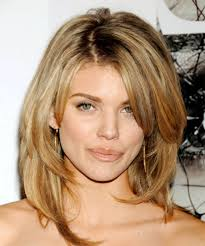 shoulder length hairstyke oval face length hairstyles for oval face trend