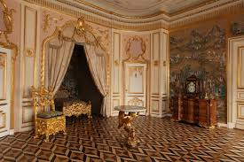 images about 0x 4y castle room royal bed chamber on pinterest