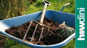 How To Make A Compost Pile In Your Backyard by How To Make Compost Making Your Own Compost Youtube