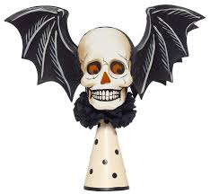 flying skull treetopper 16 00 halloween decor halloweentree