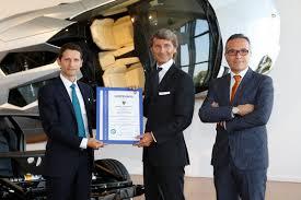 lamborghini ceo stephan winkelmann lamborghini is first automaker certified for carbon fibre repairs
