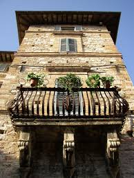 beautiful balcony file assisi balcony jpg wikimedia commons