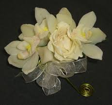 boutonnieres and corsages boutonnieres wrist corsages boutonniere wholesale corsage