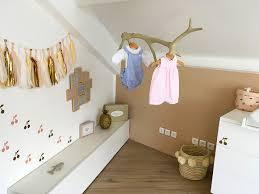 patere chambre bebe chambre bébé beige idée déco pour une pièce aux tons très doux