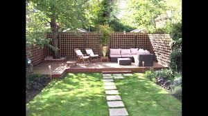 low maintenance garden design modern easy lawn grass painted fence