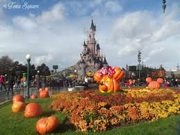 rewind halloween season dlp town square disneyland paris past