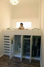 chambre bébé petit espace chambre adulte petit espace avec lit avec rangement petit espace