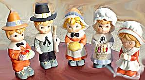 set of 5 thanksgiving pilgrims porcelain figurines brinn s autumn