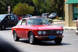 spotted today a gorgeous alfa romeo 2000 gtv cars