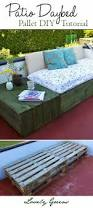 Pallet Furniture Patio by Best 25 Pallet Daybed Ideas On Pinterest Bed Couch Pallet