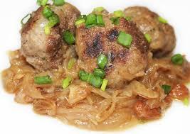 cuisiner des boulettes de boeuf la cuisine de bernard boulettes de boeuf à la fondue d oignons
