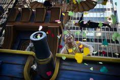 the cirque du soleil s float at the 87th macy s