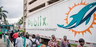 miami dolphins and hyundai distribute thanksgiving meals to the