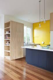 peinturer armoire de cuisine en bois armoire cuisine en bois trendy armoire cuisine en bois with