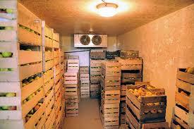 stockage des fruits et légumes les chambres froides sont vides