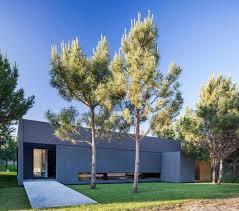 Modern Beach House by Modern Beach House By Estudio Pka Homeadore