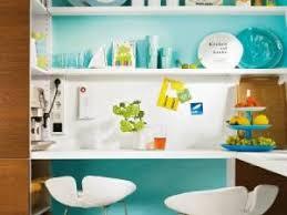 cuisine turquoise du bleu turquoise dans la cuisine par camelias