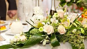 composition florale mariage la décoration florale du mariage mode d emploi magicmaman