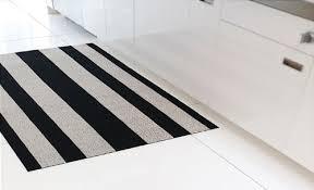 Chilewich Doormats Amazon Com Chilewich Shag Indoor Outdoor Floor Mat Black And