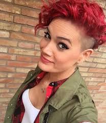 Kurzhaarfrisuren Rot by Diese 10 Kurze Frisuren In Verschiedenen Dunklen Rot Farben