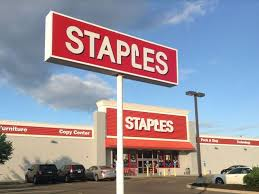 staples announces stores won t open on thanksgiving day 2015