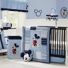 chambre enfant mickey deco chambre bebe mickey visuel 3