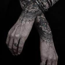 tatouage femme avant bras tatouage type henné avant bras tatouage tribal
