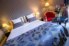 chambre avec deauville chambre supérieure avec baignoire balnéo photo de augeval hotel