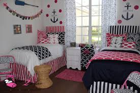 How To Decorate Your College Room How To Coordinate Your Dorm Bedding With Your Roommate Decor 2