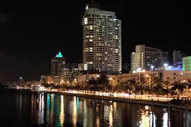 imagenes miami de noche miami beach en la noche la florida foto de archivo imagen de