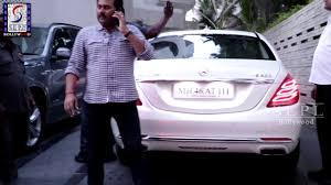 hrithik roshan spotted at gupta u0027s bungalow juhu youtube