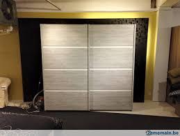 armoire de chambre à coucher chambre à coucher en deco gris avec armoire portes a vendre