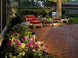 Easy DIY Patio Ideas And Pictures - Diy backyard design on a budget