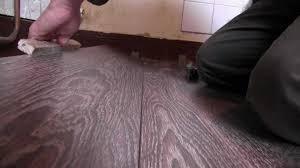 parquet stratifié dans cuisine pose parquet flottant cuisine aménagement 2 p kitchen renovation